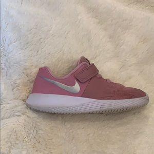 Nike star runner kids sneakers sz 10c pink